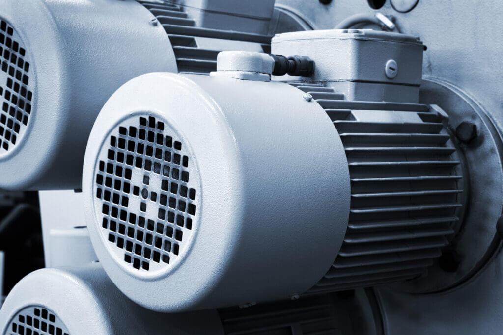 Elektromotoren, die in einer Maschine verbaut sind. Das verlangt so gut wie immer nach einer Lieferantendokumentation.